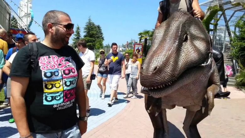 Spettacolo itinerante dinosauri T-Rex Jurassic Park Gardaland